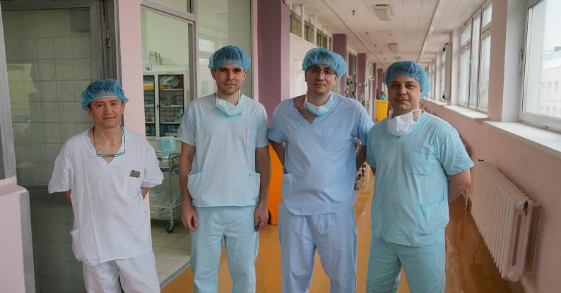 Хирурги после проведенной операции